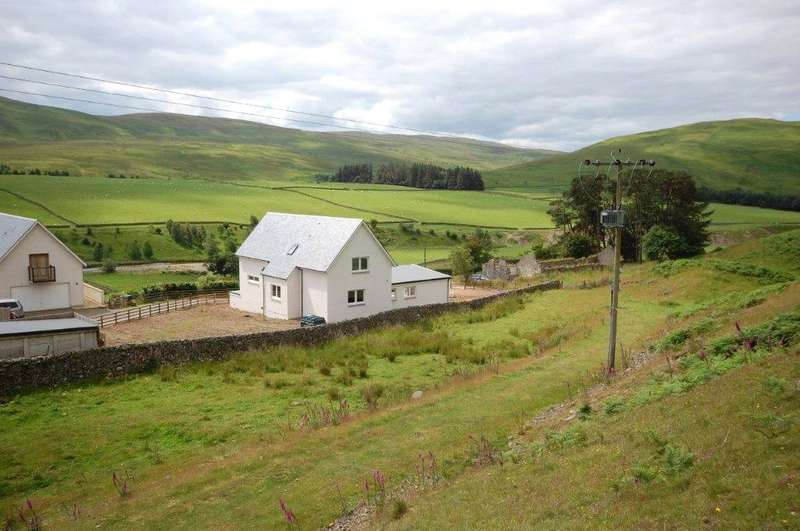 4 Bedrooms Detached House for sale in 3 Townhead, Yarrowfeus, Selkirk, Scottish Borders, TD7
