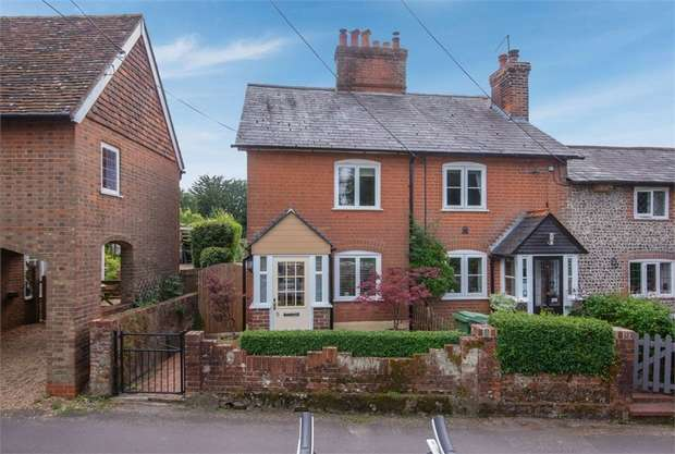 2 Bedrooms End Of Terrace House for sale in Church Street, Ropley, Alresford, Hampshire