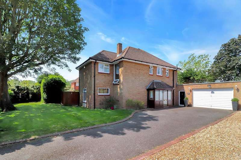 4 Bedrooms Detached House for sale in Church Road, Farnham Royal, SL2