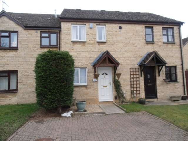 2 Bedrooms Terraced House for rent in Manor Road, Witney, Oxon, OX28 3SR