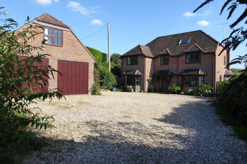 5 Bedrooms Detached House for sale in Acorn House