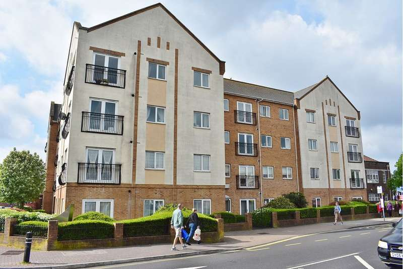 2 Bedrooms Flat for sale in Peelers Gate, Cosham, Portsmouth, PO6 3AR