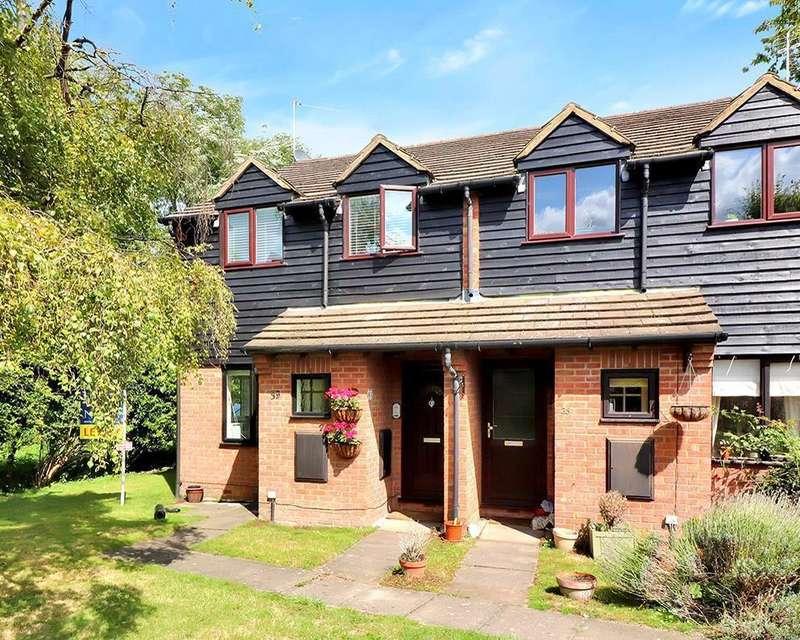 1 Bedroom Flat for sale in Frank Lunnon Close, Bourne End, SL8