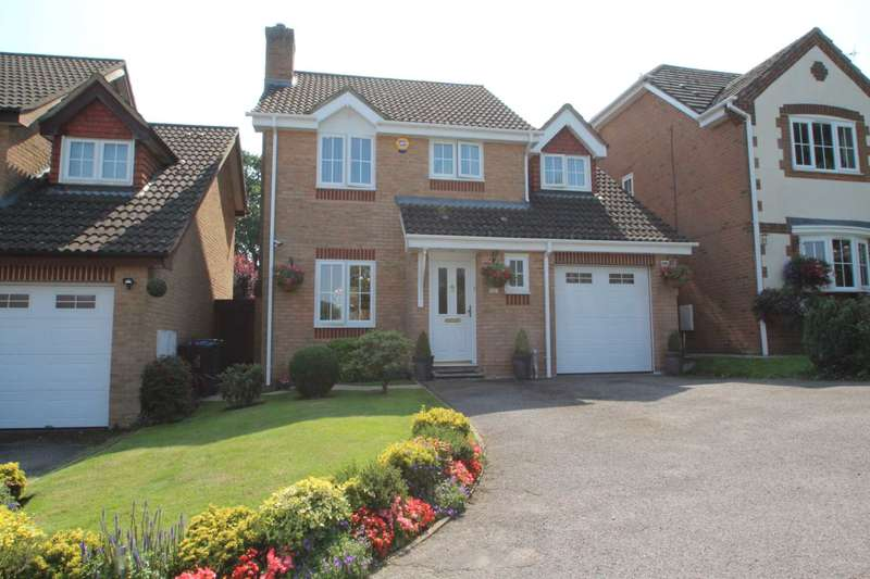 4 Bedrooms Detached House for sale in STUNNING 4 BED 2 BATH DETACHED FAMILY HOME with OFF ROAD PARKING & GARAGE