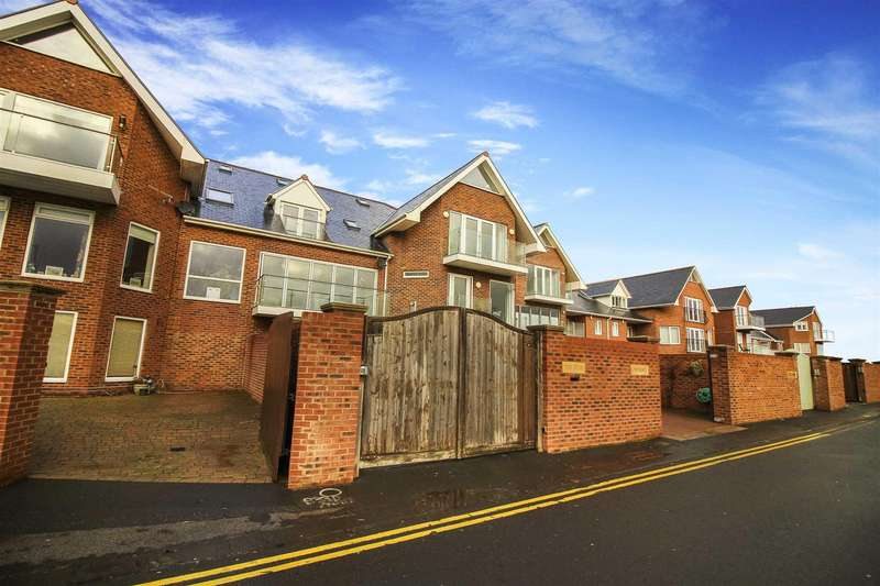 2 Bedrooms Terraced House for sale in Beach Way, Blyth