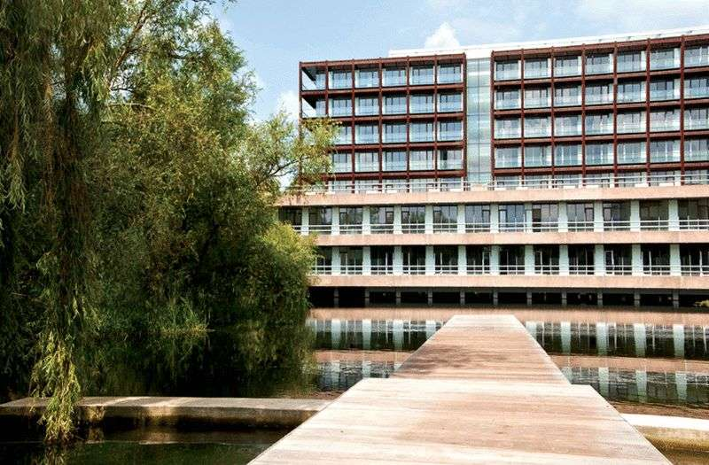 1 Bedroom Property for sale in Lake Shore Drive, Bristol