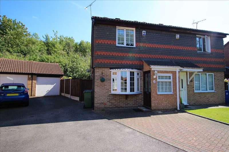 3 Bedrooms Semi Detached House for sale in Bankfoot, Grays