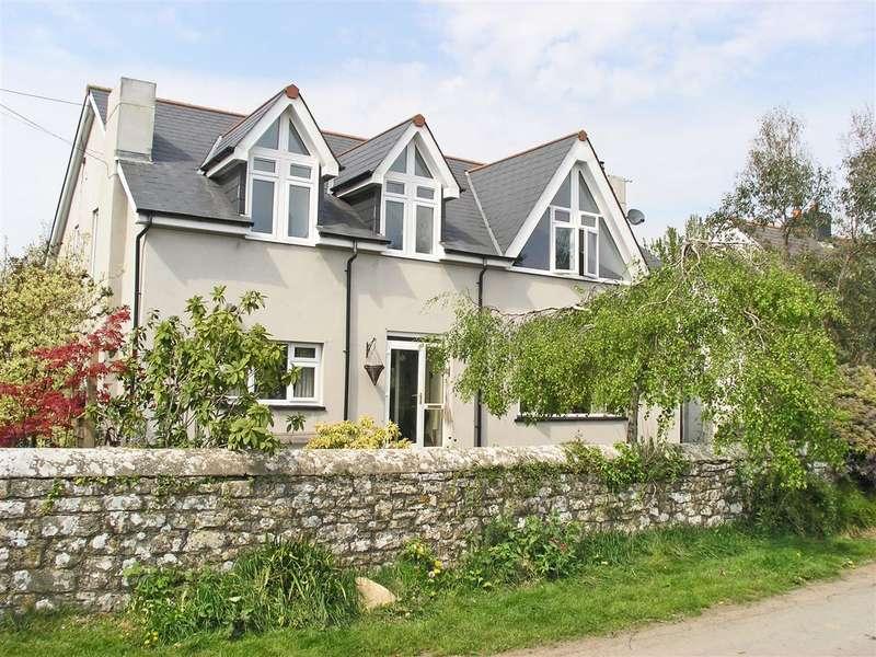 4 Bedrooms Detached House for sale in Glan-yr-Eglwys, Flemingston