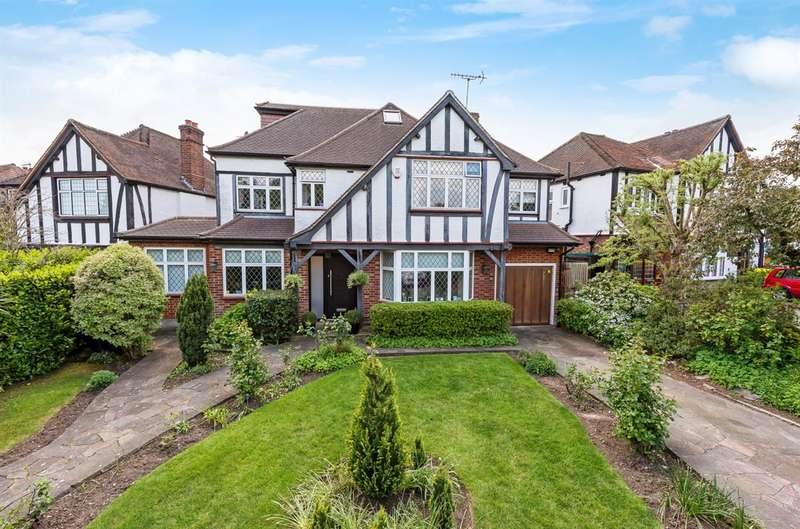 5 Bedrooms Detached House for sale in Kings Drive, Edgware