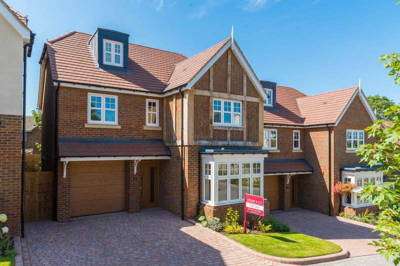 4 Bedrooms Detached House for sale in 4 Ridgeway Gardens, Grove Road