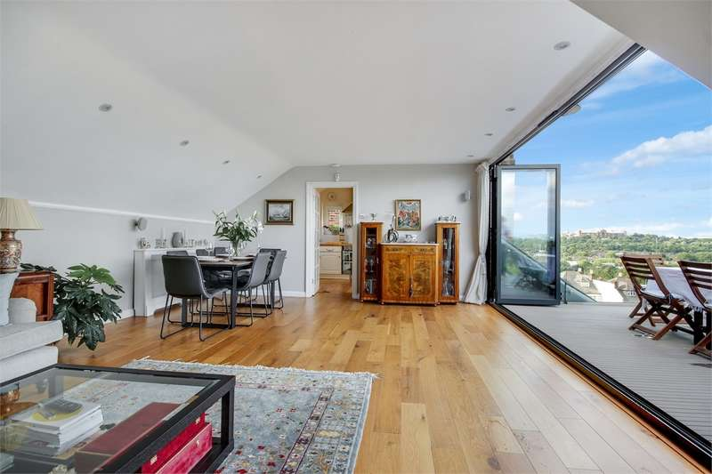 3 Bedrooms Flat for sale in Coolhurst Road, Crouch End, London