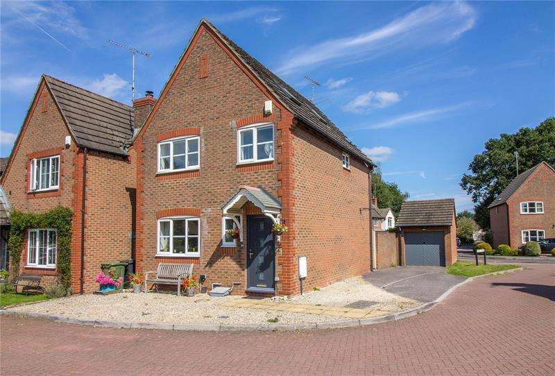 4 Bedrooms Detached House for sale in Nursery Field, Liss, Hampshire, GU33