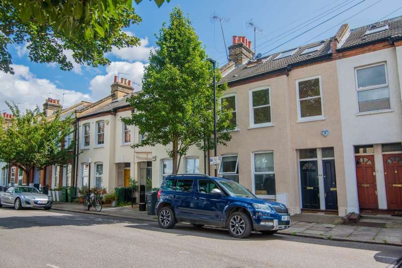 3 Bedrooms Flat for sale in Crimsworth Road, London, SW8