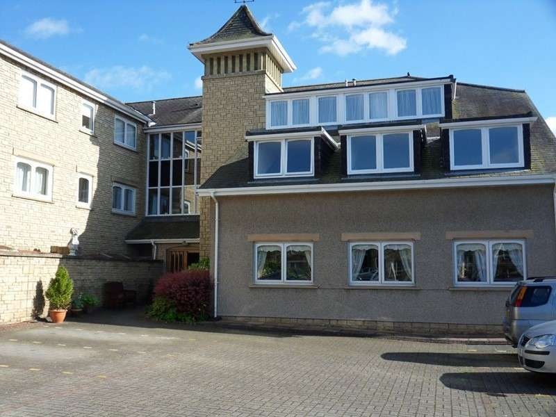 2 Bedrooms Apartment Flat for sale in Windsor Court, Corbridge, Northumberland, NE45 5BN