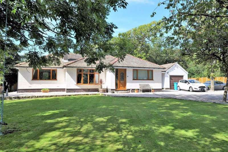 3 Bedrooms Detached Bungalow for sale in West End Lane, Warton