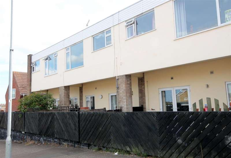 2 Bedrooms Apartment Flat for sale in Dale Court, Deepdale Road, Harwich