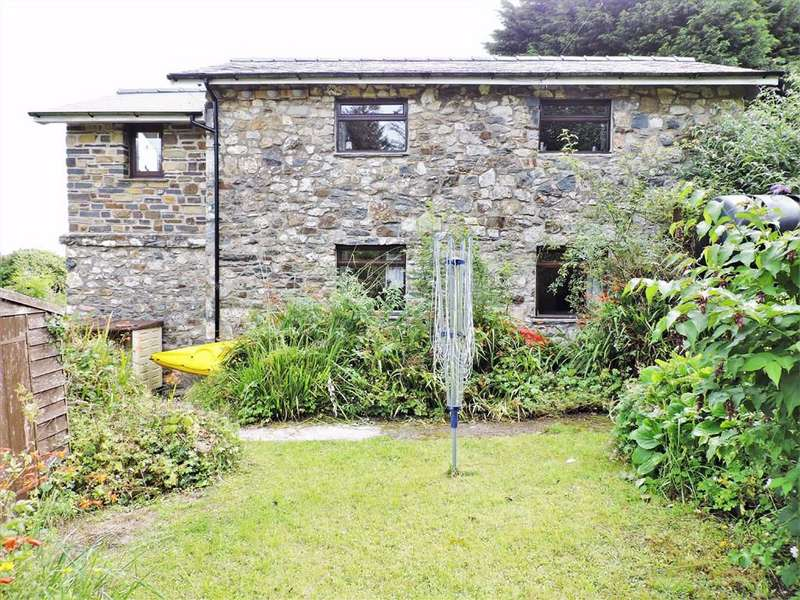 2 Bedrooms Detached House for sale in Dinas Cross, Newport