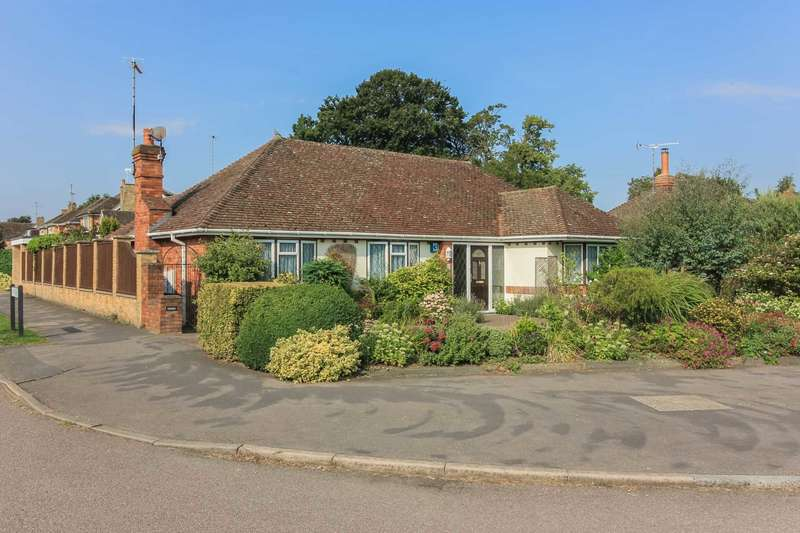 2 Bedrooms Bungalow for sale in Grove Park, Tring