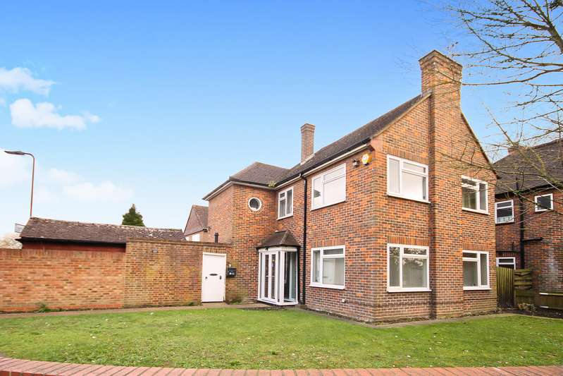 3 Bedrooms Property for sale in St. Marys Avenue South, Norwood Green