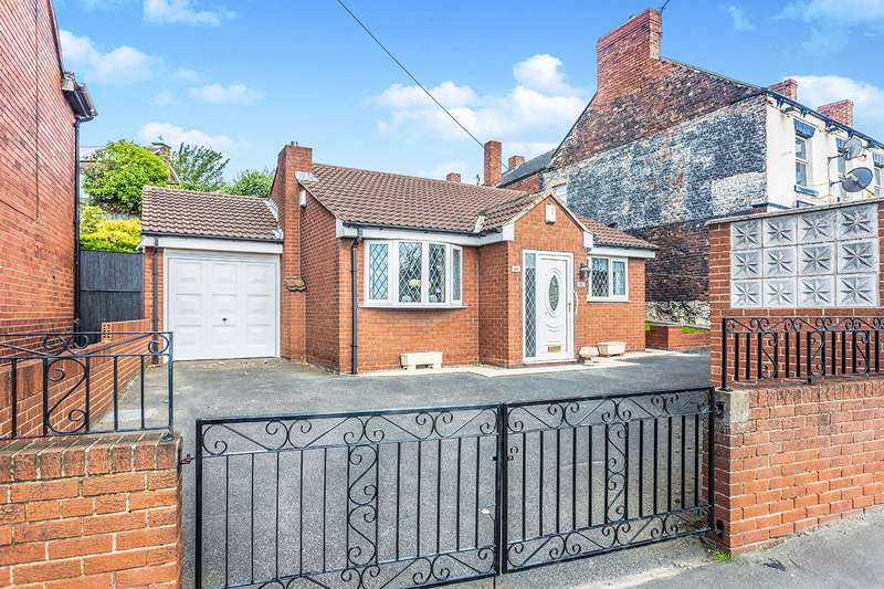 2 Bedrooms Detached Bungalow for sale in Front Street, Castleford, West Yorkshire, WF10