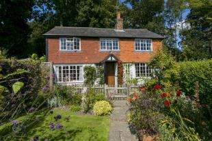 3 Bedrooms Detached House for sale in The Platt, Down Lane, Frant, East Sussex