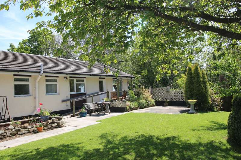 4 Bedrooms Detached Bungalow for sale in Elmers Green, Skelmersdale, Lancashire, WN8
