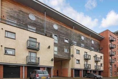 3 Bedrooms Maisonette Flat for sale in Thorter Neuk, Dundee