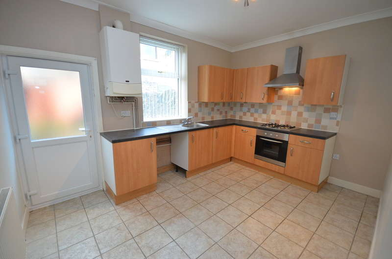 2 Bedrooms Terraced House for sale in Springthorpe Street, Whitehall, Darwen