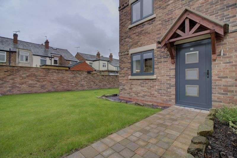4 Bedrooms Property for sale in Horseshoe Drive, Macclesfield