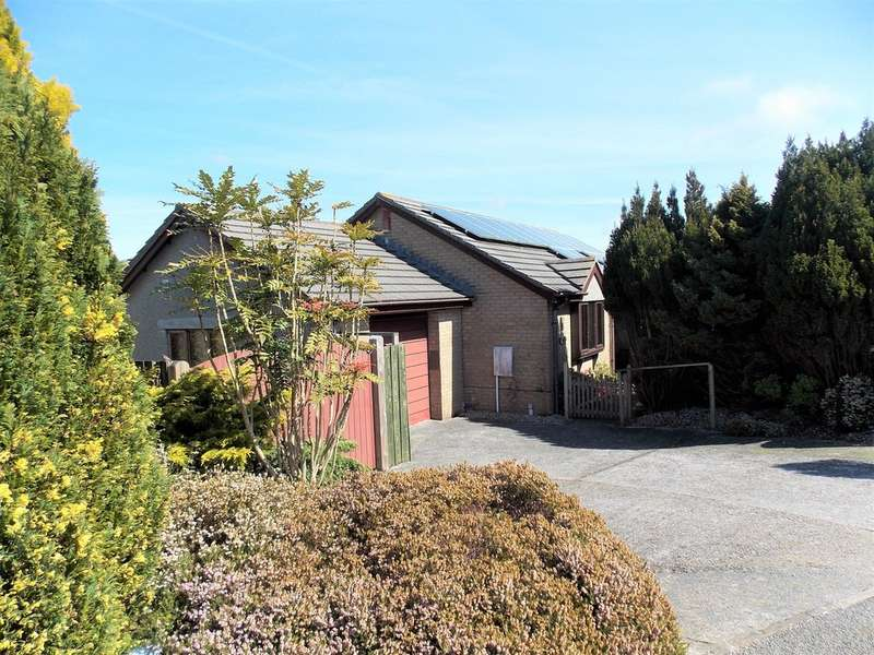 3 Bedrooms Property for sale in 52 Merritts Way Pool Redruth TR15 3TY