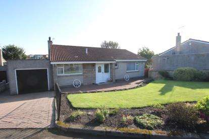 3 Bedrooms Bungalow for sale in Broom Place, Kirkcaldy