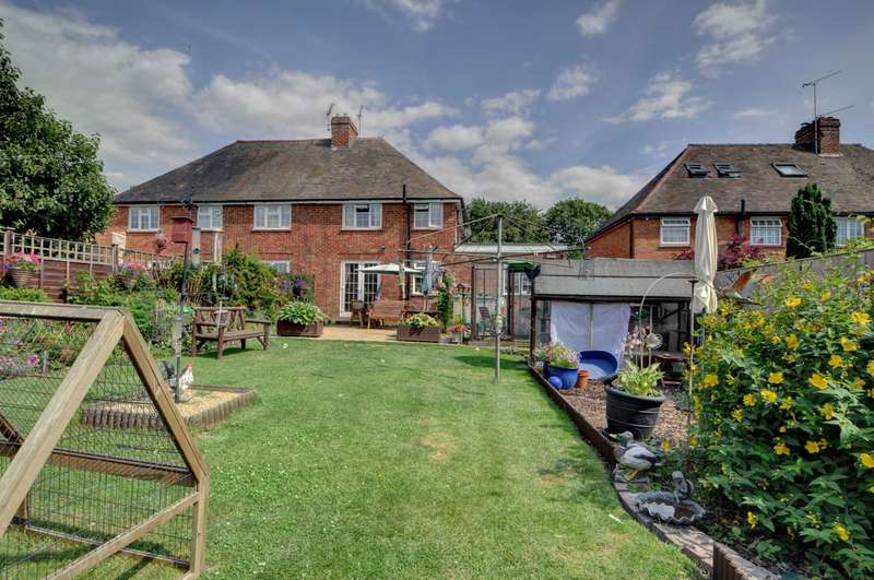 4 Bedrooms Semi Detached House for sale in Lower Icknield Way, Longwick