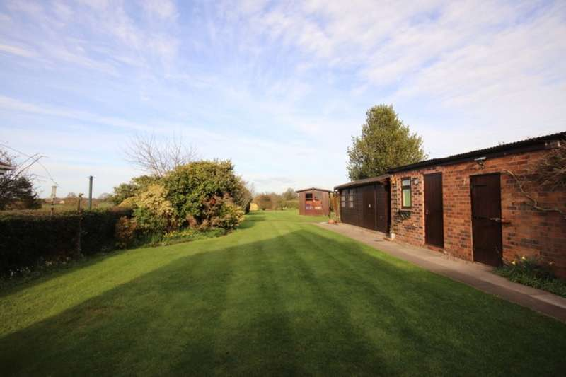 3 Bedrooms Detached Bungalow for sale in Colleys Lane, Willaston, Nantwich, CW5