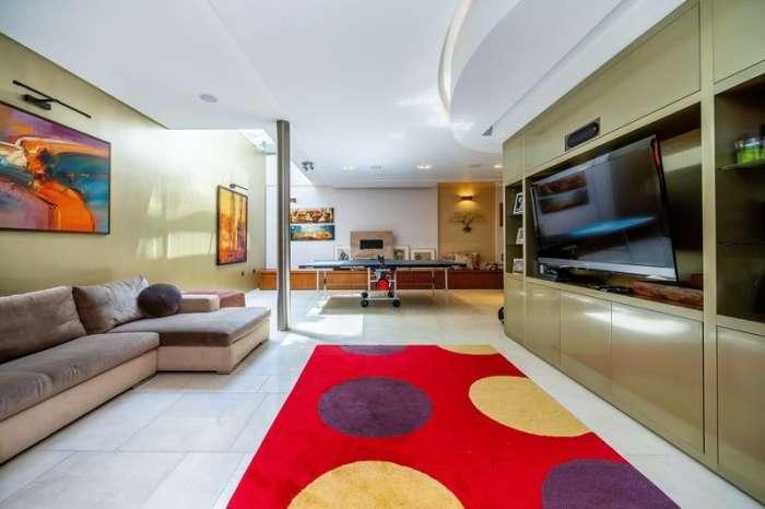 4 Bedrooms Property for sale in Ornan Road, Belsize Village, London, NW3