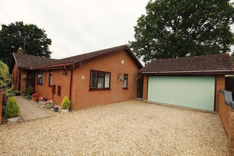 3 Bedrooms Detached Bungalow for sale in Noon Gardens, Verwood, BH31