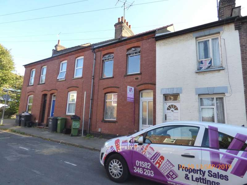 3 Bedrooms Terraced House for rent in Arthur Street, Luton