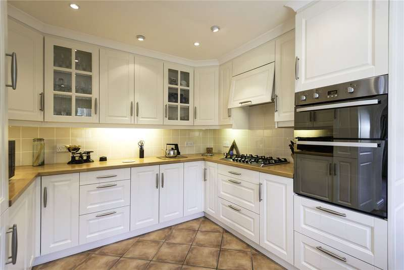 2 Bedrooms Detached Bungalow for sale in Treetops, Orchard Rise, Richards Castle, Ludlow, Herefordshire, SY8