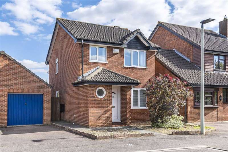 3 Bedrooms Detached House for sale in Bracken Place, Bedford