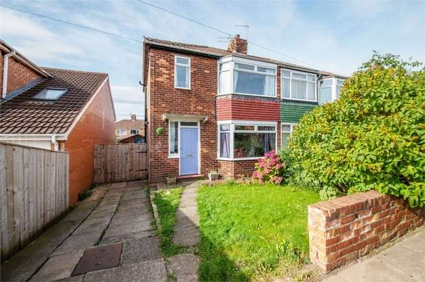 3 Bedrooms Semi Detached House for sale in Roseberry Road, Stockton-on-Tees, Durham