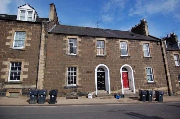 2 Bedrooms Flat for rent in Queen Street, Stirling