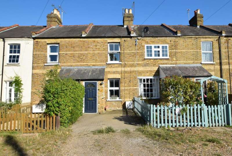 2 Bedrooms Terraced House for sale in Church Terrace, Windsor, SL4