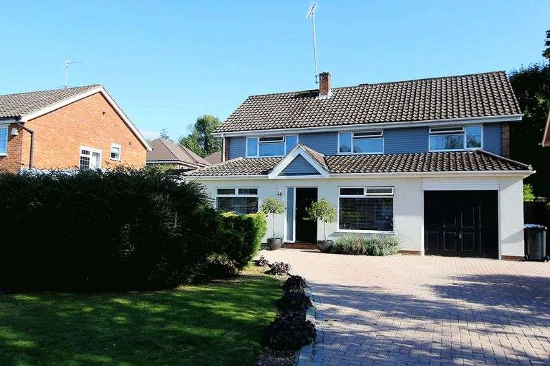 4 Bedrooms Property for sale in Blackthorns, Haywards Heath