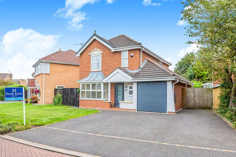 4 Bedrooms Detached House for sale in Devon Close, Middlewich, Cheshire, CW10
