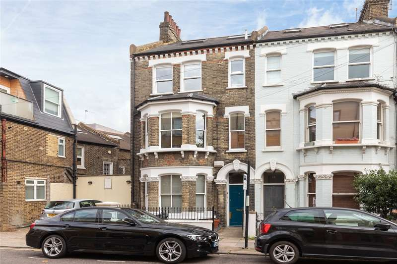 3 Bedrooms Flat for sale in Strathblaine Road, Wandsworth, London, SW11