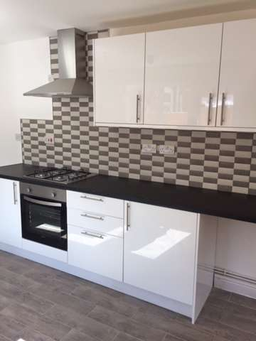 1 Bedroom House Share for rent in *SHARED ACCOMMODATION - 3 ROOMS LEFT* Stunning En-Suite Rooms to Rent on Brettell Street, Dudley, DY2