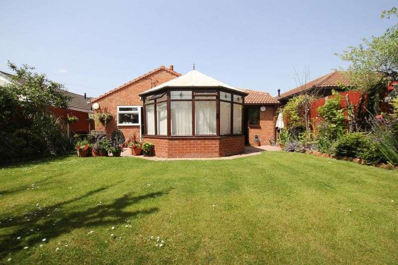 4 Bedrooms Property for sale in Carlton Close, Parkgate, Cheshire