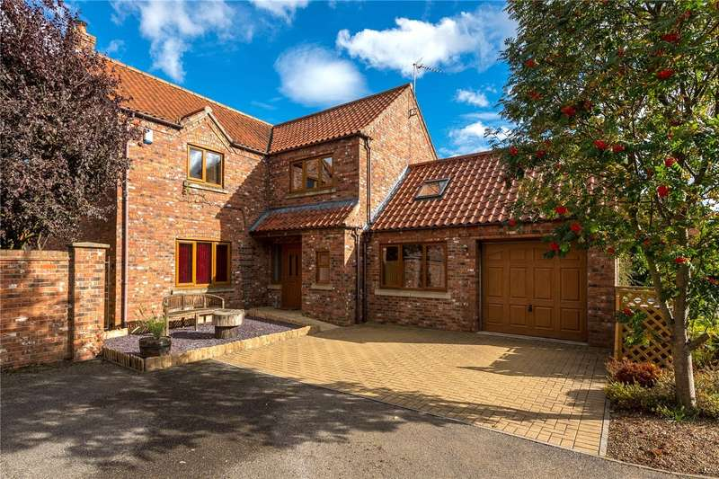 4 Bedrooms Detached House for sale in Broughton Road, Carlton-le-Moorland, Lincoln, Lincolnshire, LN5