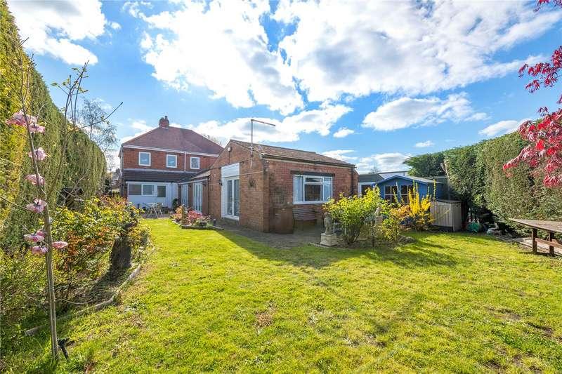 3 Bedrooms Detached House for sale in London Road, New Balderton, Newark, NG24
