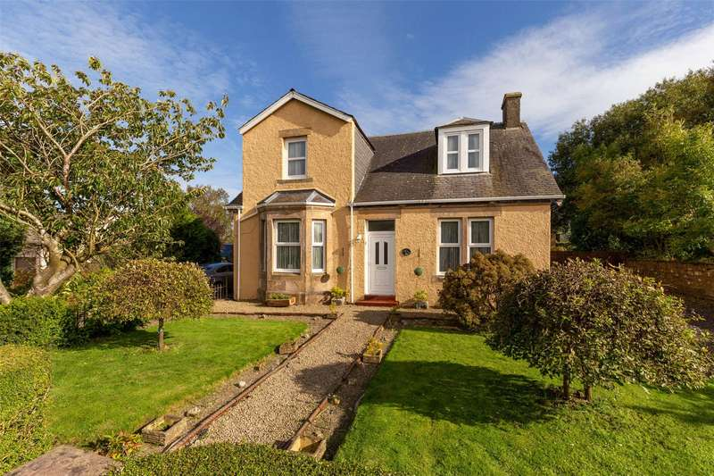 4 Bedrooms Detached House for sale in 13 Bank Glen, By New Cumnock, East Ayrshire, KA18