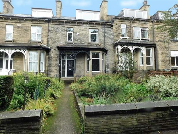4 Bedrooms Terraced House for sale in Kirkgate, Shipley
